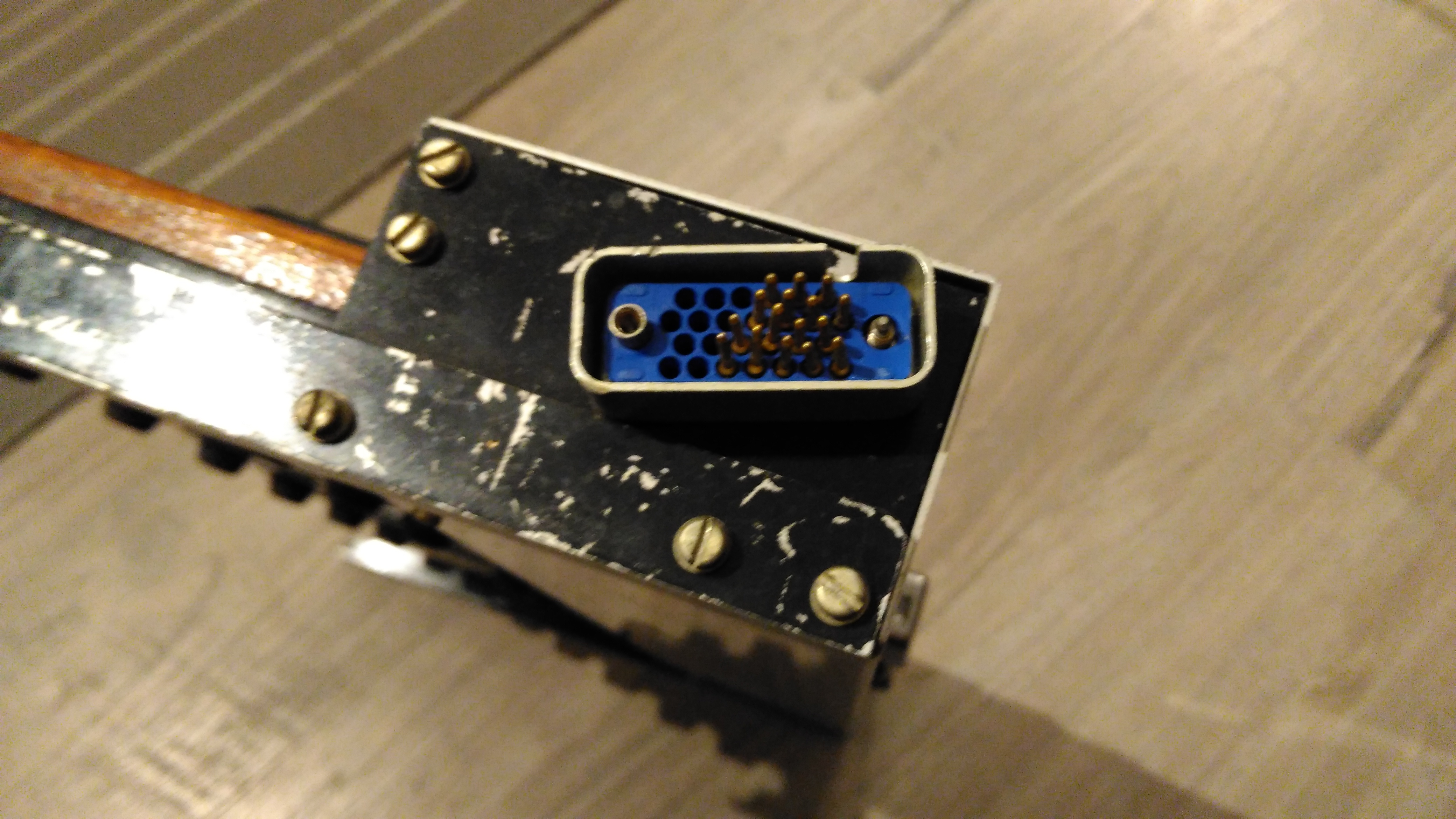 Old organ pedal board - MIDI controller ideas - Tech - lines